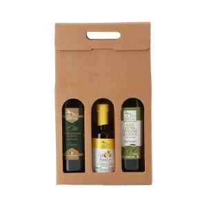 Confezione regalo composta da 3 bottiglie di olio extravergine pugliese- olio evo Ogliarola 0250ml olio evo Frantoio 250 ml olio al limone 250 ml