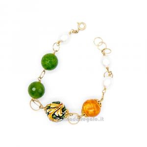Bracciale con perle di fiume, agata verde e sfere in ceramica di Caltagirone - Gioielli Siciliani