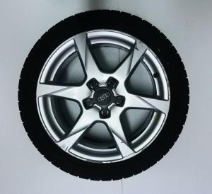 Cerchio In Lega 7,5 X 17 Audi A4 Con Gomma 225/45/17 Codice 8k0601025K Originale