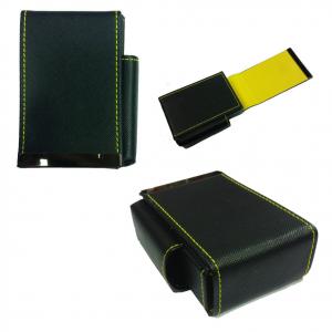 Portapacchetto sigarette con scomparto accendino in eco-pelle