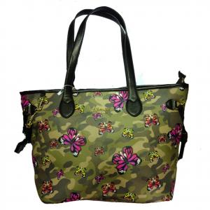 Borsa spalla shopper in eco-pelle camouflage farfalle colorate 45,5x29x16,5 cm
