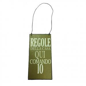 Targa in metallo vintage da appendere REGOLE DELLA CASA QUI COMANDO IO 12x6 cm