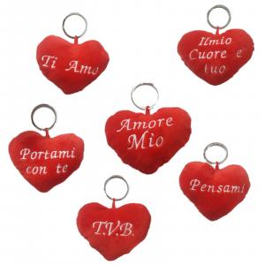 San Valentino portachiavi cuore peluche con scritte in 6 varianti dim.10x9cm cir