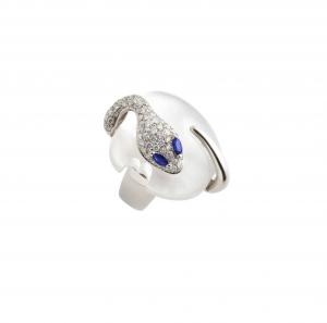 Anello in oro bianco, diamanti, madreperla e zaffiri