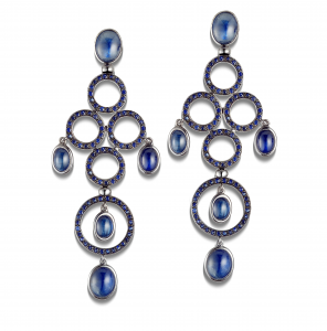 Long Earrings in blue rhodium white gold and blue sapphires