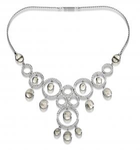 Collana in oro bianco, diamanti e spectroliti