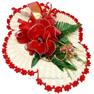 Centrino natalizio beige ad uncinetto 35x29 cm e Fiori confetti Sulmona - Handmade - Italy