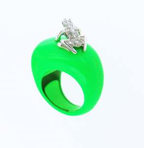 Anello Happy Frog in cataforesi Fluo verde, oro bianco e diamanti