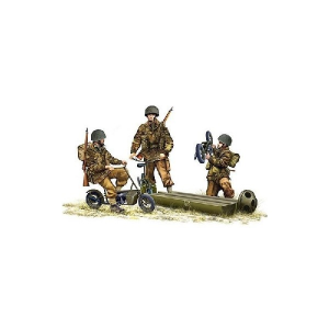 WW II BRITISH PARATROOPER