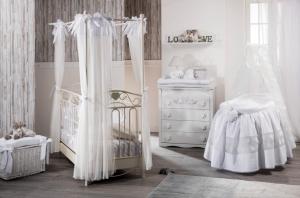 Cameretta Completa  in Stile provenzale con letto in ferro battuto   linea Nanny by Picci