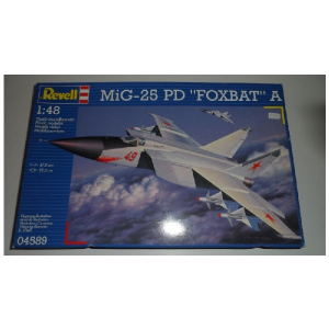 MIG-25 PD ''FOXBAT''A REVELL