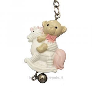 Portachiavi orsetto Rosa su Cavallo a Dondolo in resina 8.5 cm - Bomboniera battesimo bimba