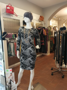 Abito corto in maglina nero | Abbigliamento donna casual chic online