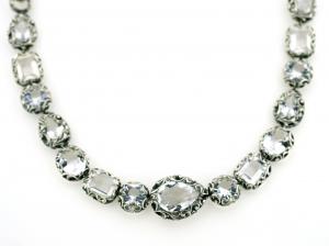 Collana in argento intarsiato con cristallo di rocca