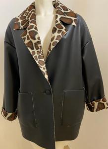 FACE TO FACE STYLE Cappotto Nairobi S312 reversibile in ecopelle nera e rovescio animalier
