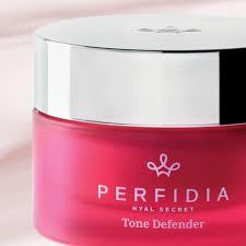 Perfidia Tone Defender Crema viso ad azione ridensificante e illuminante