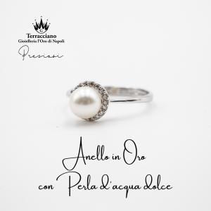 Anello con Perla e Zirconi