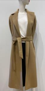 GLYCÒ SIRI Cappotto vestaglia in lana 90% concintura e profondi spacchi laterali.