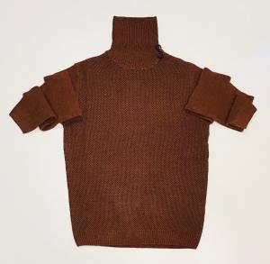 Maglione collo alto marrone || Consenso