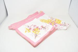 Tovaglia Bianc Bordo Rosa Con Disegno Mazzi Di Fiori (192x 140)+ 8 Tovaglioli