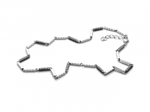Cesare Paciotti 4US, Collana in acciaio con elementi rettangolari neri testurizzati e logati
