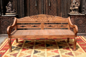Day bed in legno di teak indonesiano con intagli floreali