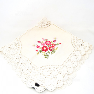 Centrino Embroidered By Hand With Flowers 75x75 Cm