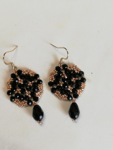Orecchini nero e oro rosa | bigiotteria artigianale vendita on line