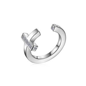 Anello PIANEGONDA collezione AETERNUM in argento 925/°° con 9 topazi bianchi
