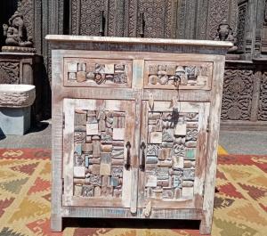 Credenza bassa in legno recuperato 2 cassetti e 2 ante con mosaico timbrini