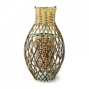 Lampadario in fibre intrecciate naturali