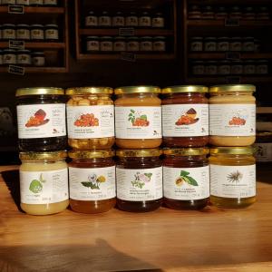 5 mieli + 5 trasformati a base di miele Apicoltura Sumano - 3756  gr