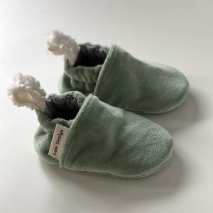 Scarpine neonato verde in ciniglia di cotone biologico