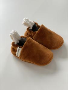 Scarpine neonato caramello  in ciniglia di cotone biologico