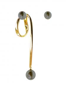 Monorecchino in oro giallo con perle Tahiti