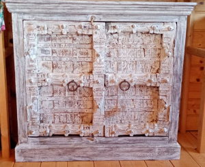 Mobiletto white in legno di mango con 2 ante