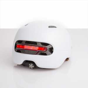 Casco con Led posteriori
