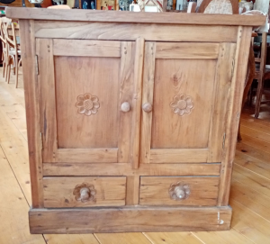 Mobiletto con 2 cassetti e 2 ante in legno di teak