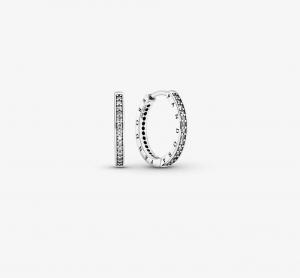 Orecchini a cerchio con logo Pandora scintillanti