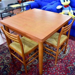 Tavolino In Legno Apribile Con 3 sedie in paglia