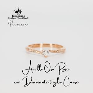 Anello Oro Rosa con Diamante Taglio Cuore