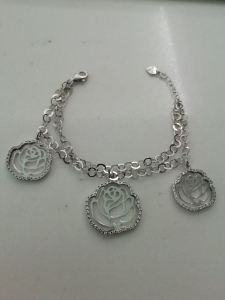 Racciale names in argento motivi floreali