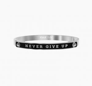 Never Give Up - Tenacia
