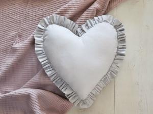 Cuscino in velluto a forma di cuore
