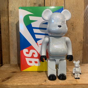 Be@rbrick Medicom Toy Nike Sb White 100% e 400%