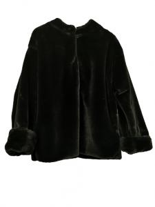 Giacca donna in ecopelliccia nera   manica larga con risvolto   scollo tondo   chiusura con alamari   interno in raso viola   Made in Italy