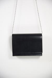 Borsa da sera semplice colore nero. Vendita on line accessori moda