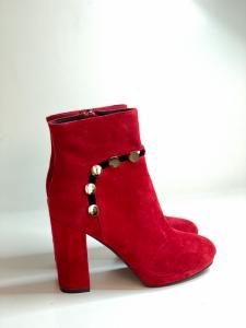Tronchetto in camoscio rosso | Cafènoir