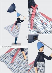 Lampada Skitso in legno con abiti inamidati Blue