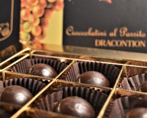 Cioccolatini con ripieno di crema al passito - Confezione da 9 pezzi 84 gr